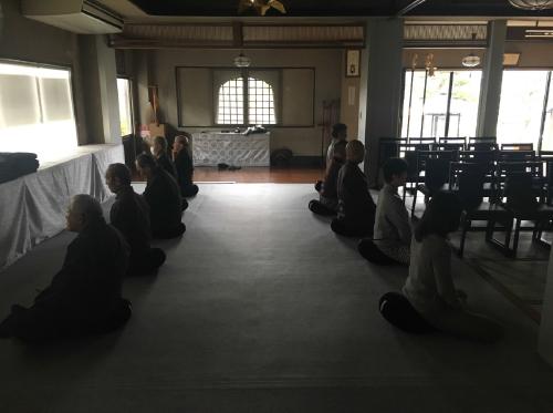 坐禅会の様子